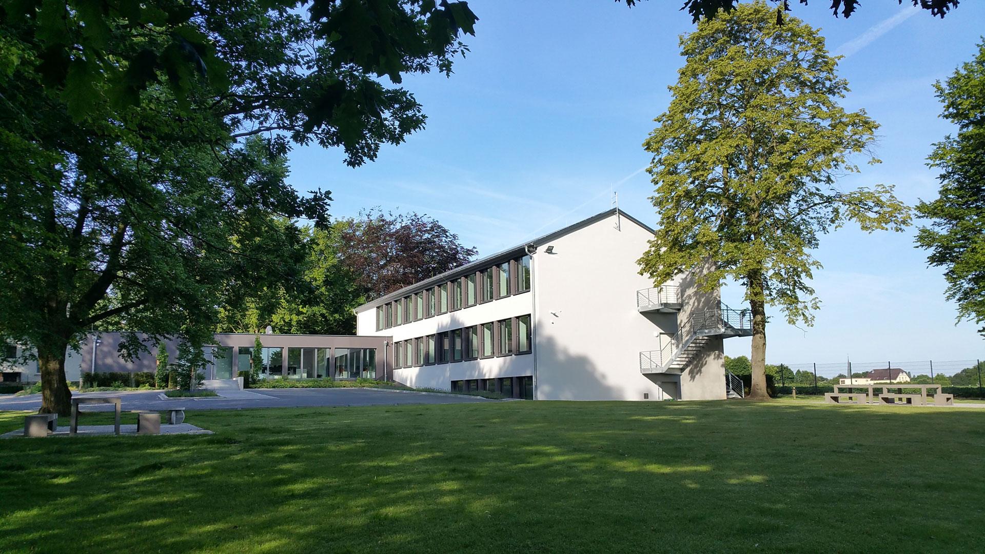 Podufal-Wiehofsky Generalplanung GmbH_alte_Grundschule_Wittel_umgebaut zu modernem Bürogebäude